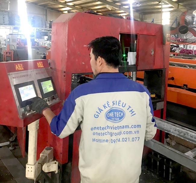 Nhà máy sản xuất giá kệ Onetech