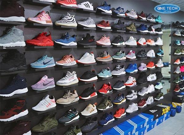 Kệ trưng bày giày thể thao