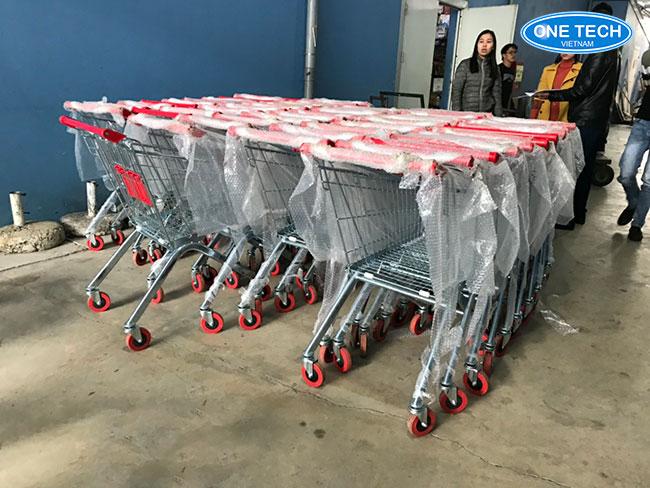 Onetech Việt Nam phân phối xe đẩy hàng siêu thị số 1 trên thị trường