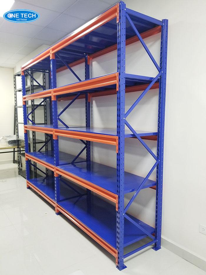 Onetech là đơn vị sản xuất và phân phối kệ kho ở TPHCM