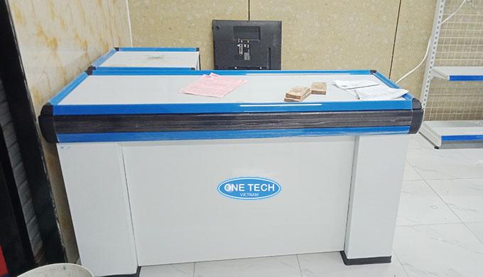 Mẫu quầy bàn thu ngân thiết kế và lắp đặt tại Onetech